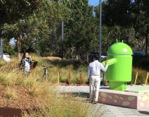 Fototermin mit dem Androiden auf dem Google Campus